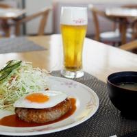 【平日限定!夕食付きプラン】お食事は海の見えるレストランで♪ コーヒーウェルカムドリンクあり♪