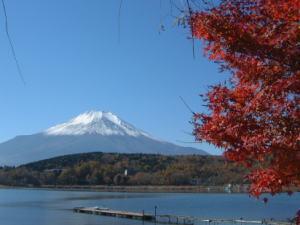 湯ったり温泉券付♪富士山眺望!山中湖畔で一息