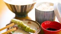 【部屋食】■人気No.4■金目煮付とA5牛★選べる朝食!しらす&桜海老二色丼とわさび丼+釜鶴干物