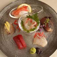 【贅沢グルメ】美食に舌鼓〜吟味特選〜《和牛陶板焼&鮮魚7種盛&カンパチしゃぶ》◆A会席◆
