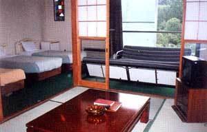 ホテル棟 和洋室  3名〜5名