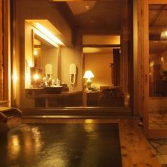 【旅して応援!】【カップル】プチ贅沢〜美肌の湯の貸切露天風呂60分付〜ご夕食は旬の和食会席をご用意