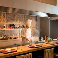 【1泊2食・室数限定】世界三大珍味と県産食材のマリアージュ!シェフが目の前で調理するコース料理!