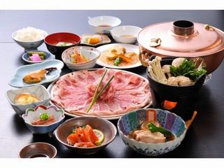 【ファミリー】【家族同室】◆当館名物◆「越後もち豚しゃぶしゃぶ」食べ放題付きプラン