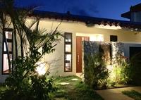 【添い寝無料】青い海を一望!琉球赤瓦一棟貸しヴィラ、2ベッドルーム+24平米広々リビング【素泊まり】