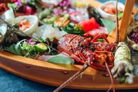 【楽天スーパーSALE】5%OFF伊豆の刺身盛り合わせ&伊勢海老と海鮮&黒毛和牛の満足網焼きプラン