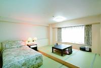 畳とベッドのお部屋 37平米 和室