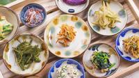 『やちむん』に囲まれ、穏やかに暮す。沖縄の伝統文化に触れあうコンセプトルームで滞在<2食付き>