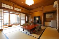 [駅近最大6名様 個室素泊まり、貸切露天風呂無料プラン]本館1F和室 輪(りん)一番広いお部屋です。