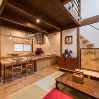 【母の日感謝プラン】【5月限定夕食付宿泊10%OFF】一棟貸し京町家で老舗料亭の夕食を。