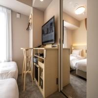 コネクトツイン<禁煙>14平米2室/幅110cmベッド4台