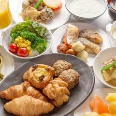 ◆【早期特典】北海道限定・純米吟醸酒プレゼント♪〜焼き立てパンと手作りバイキング〜【朝食付】