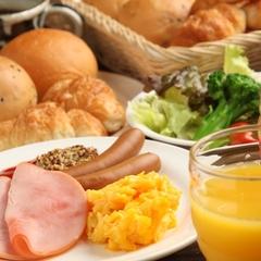 """◆【50歳以上限定】ご夫婦やお仲間とご一緒に""""ゆったり大人旅""""≪季節の美味会席≫【夕朝食付】"""