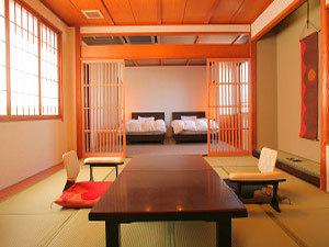 【畳とベッドで寛げる和洋室】12畳+12畳ベッドルーム