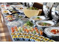 【早割・期間限定】ホテルでゆっくりディナーを!バイキング夕食付