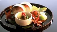 【夕食付◆京料理をお部屋食で】名料亭「京料理 木乃婦」の会席をお届け。雅やかな老舗の味を堪能