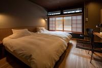 窓からの光が美しい 茶屋102 スタンダードツイン
