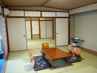 美浜荘の大部屋和室 【定員3〜8名】