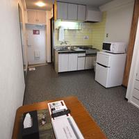 トリプルルーム 専用バスルーム キッチン 禁煙室