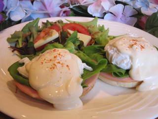 【グランイルミ至近】【期間限定】大人気のハワイアンカフェ朝食付プランをお得に♪露天付スイートルーム