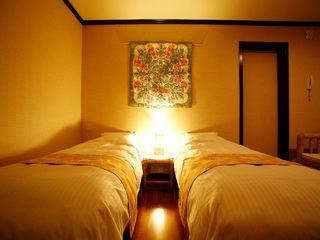 露天付客室スイートルーム◆二部屋続きでゆったり…非日常の空間と拘りのハワイ料理を