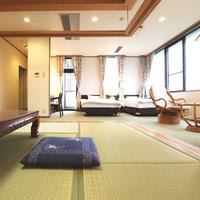 和洋室【和室10畳+ツインベッド】バストイレ付WiFi完備