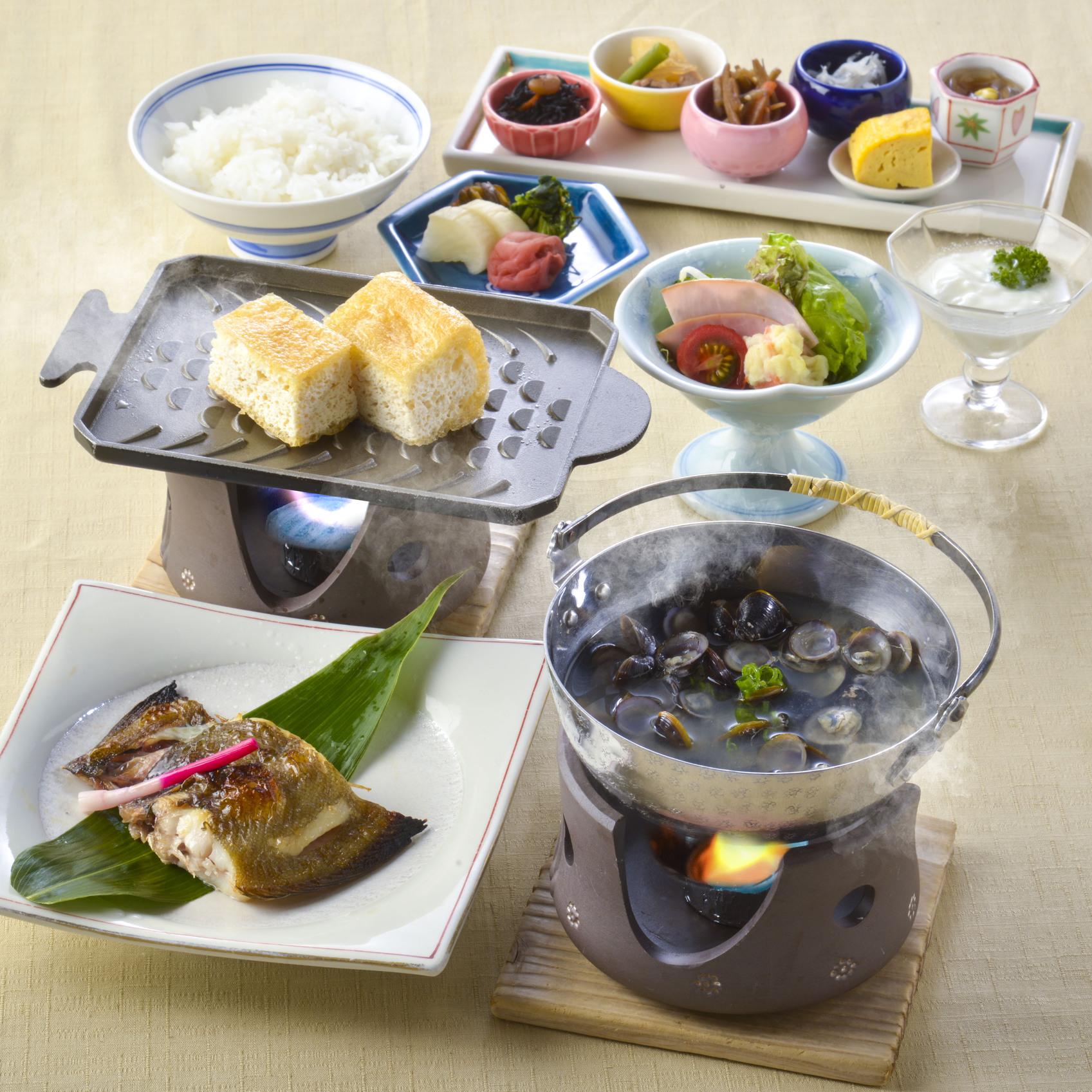 【朝食付】1日の始まりは朝食から!若狭ガレイ・しじみ・厚揚げ等の地元食材を取り入れた和朝食