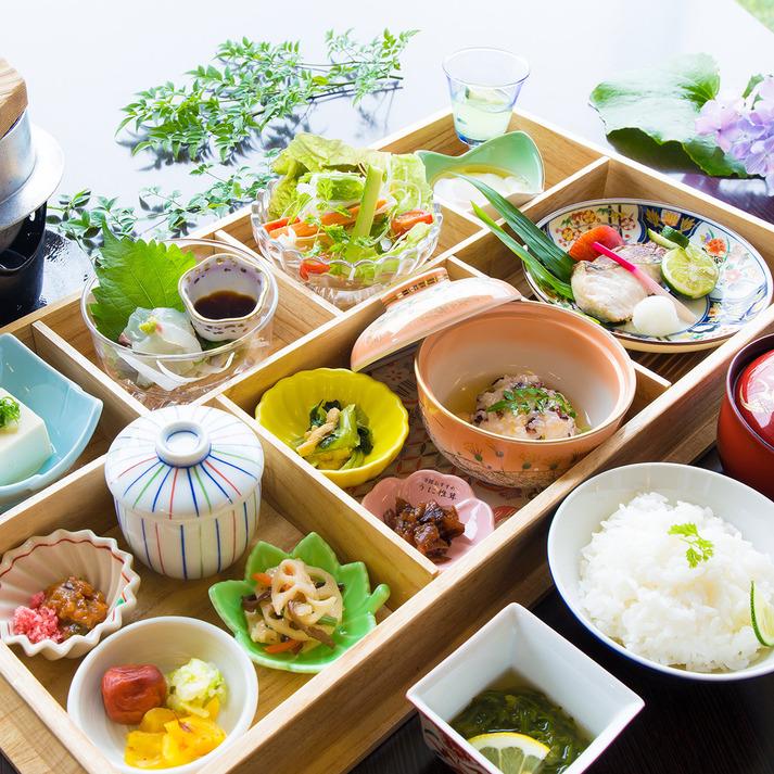 【ダブル・洋室】カップルにオススメ♪☆1泊朝食付きプラン☆