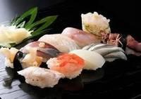 出前寿司+酒バー利用券付き宿泊プラン