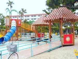 ゆっくり のんびり白浜満喫(*^_^*)温泉で癒される素泊まり旅行中心街に位置しバス停目の前です