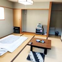 和室8畳 2階のお部屋です 階段です