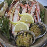 兵庫県下で水揚げされた松葉カニづくしの本格会席料理をお部屋食で