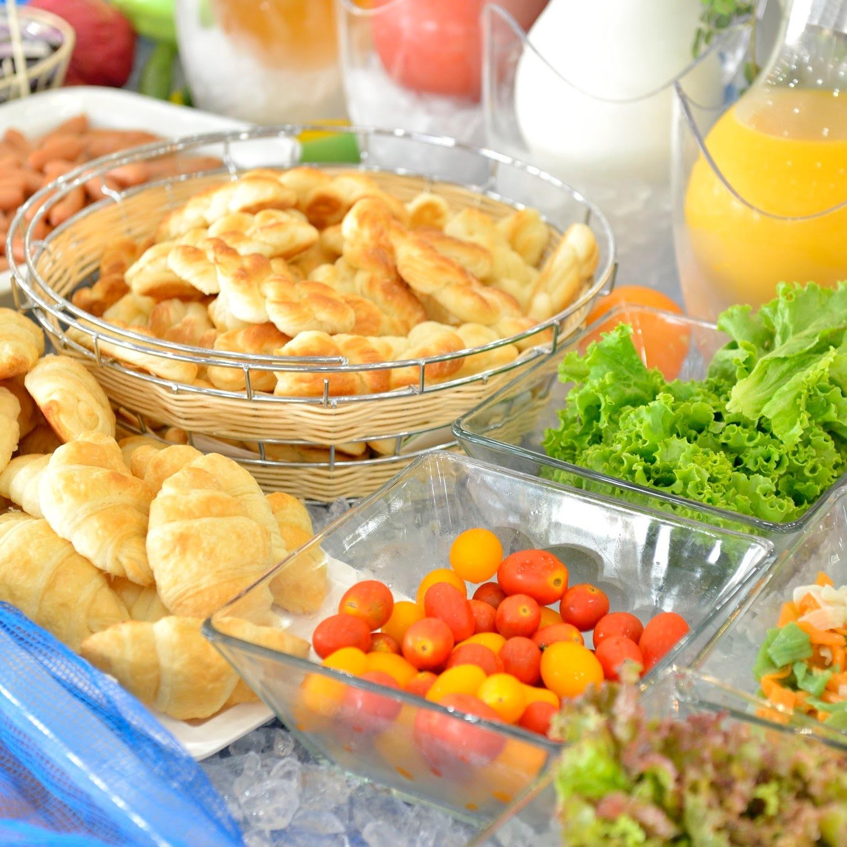 【朝食付き・夕食なし】島の名産佃煮・新鮮野菜などボリューム満点の和洋バイキング