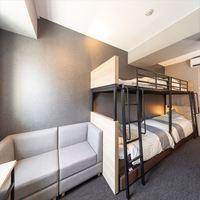 【朝食付き】ファミリールーム【シングルサイズベッドが4台】