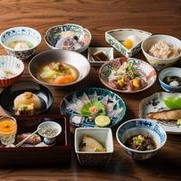 ◆朝・夕2食◆【能登牛!のどぐろ!地酒!】提携店で使える夕食券5000円×人数分セットプラン