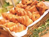 【朝食付】ボリューム満点のバイキングの朝食付プラン☆広いお部屋で高知をゆったり満喫♪【駐車場無料】
