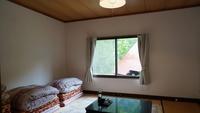 【西館・板の間13平米+2畳】明神岳を一望するお部屋