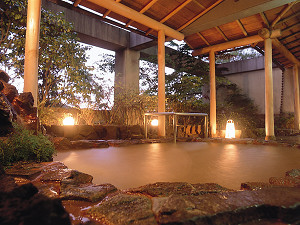 ☆観光・レジャーの後に☆【一泊朝食付♪レストランにて】5ツ★の温泉で湯ったり♪まったり♪ほっこり♪