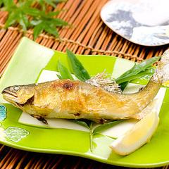 【夏旅★川床月涼の膳】名物!霜降り馬刺し&地元天然鮎の塩焼きを堪能できます。