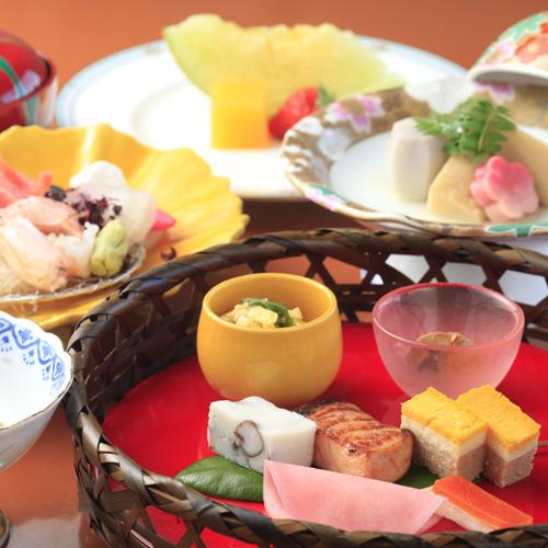 【スタンダード・和食会席】月替わりの献立で旬の味覚を堪能♪