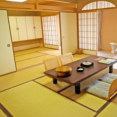 10畳+6畳2間の広々和室(特別室)