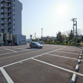 【駐車場付き安心プラン♪】100円お得に駐車場1台付いてます♪2台目からは別途500円頂きます。