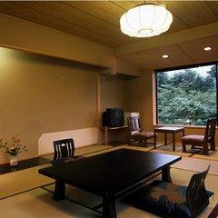 和室10畳+広縁(夕・朝食共部屋食)