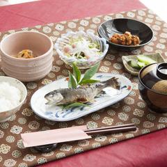 ■訳あり/平日限定■ご夕食は定食スタイル!お得な2食付プランで格安旅行・ビジネス利用にも◎