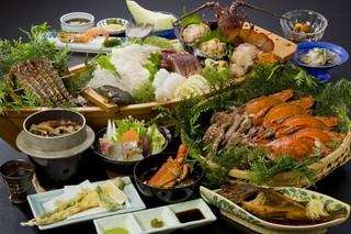 【楽天限定】海の幸『 乙姫 』伊勢海老・アワビ・渡り蟹 + スパークリングワイン一本付き プラン