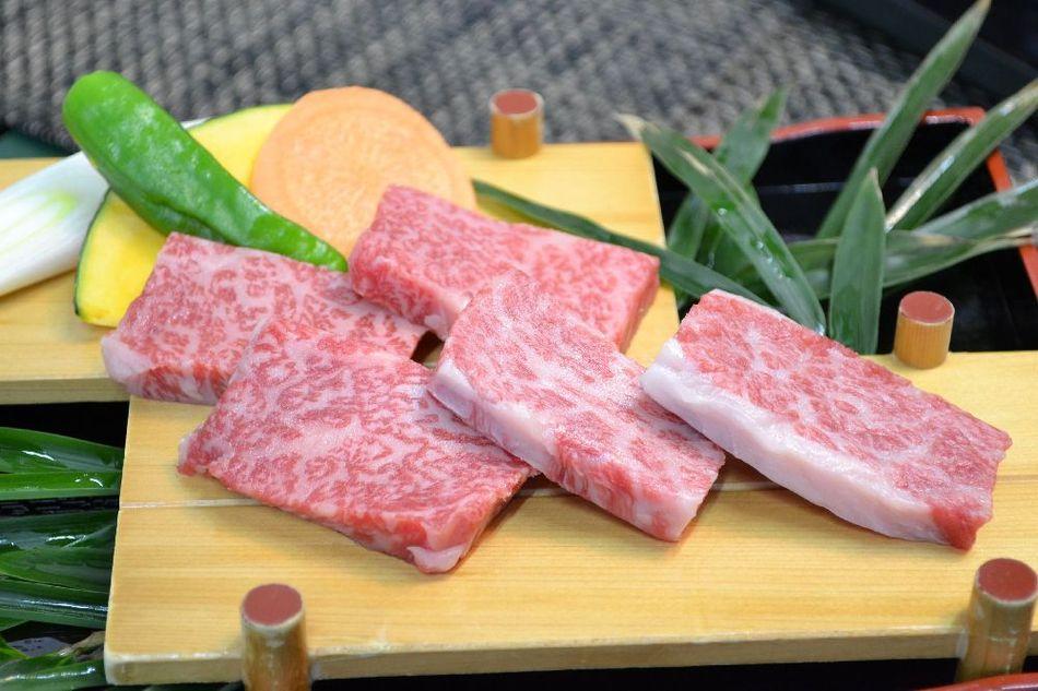 【プチ贅沢】美味しいお肉をちょこっと!A-5ランク山形牛ミニステーキ(陶板焼き)付会席