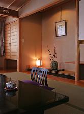 一部屋限定【絶景の眺望・高層階の角部屋】 衣笠草・和室15畳でゆったり至福の時間を堪能。