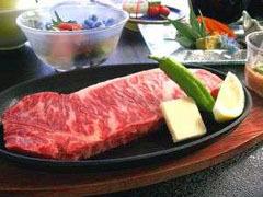【蔵王会席】蔵王牛の熱々ジューシーステーキ170gを味わう!