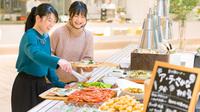 【春夏旅セール】レディースツインルーム〜人数分のドレッシングテーブルで朝の準備をゆったりと