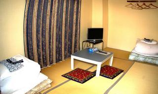 インターネット限定【和室6畳】2〜3人部屋 (現金特価)